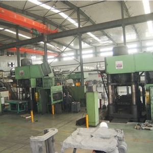 German 2200 ton hydraulic press